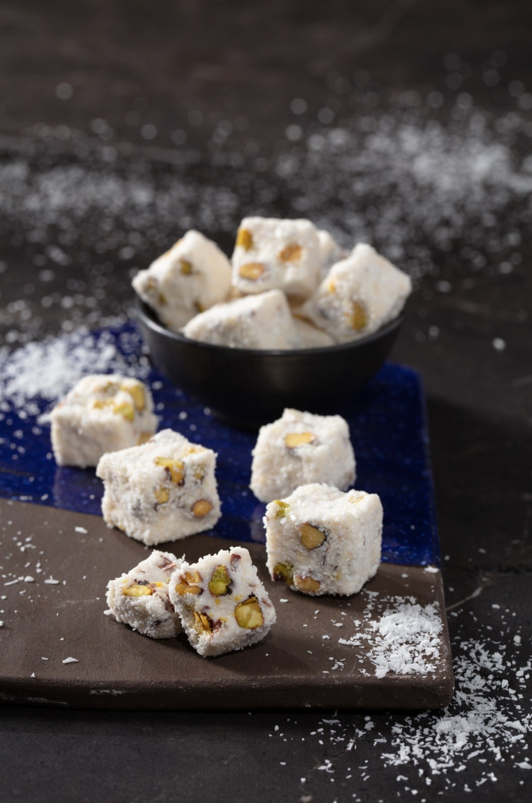 COCONUT COVEREDDOUBLE SULTAN DELIGHT WITH PISTACHIO COVERED COCONUTS KG