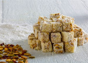 TURKISH DELIGHT WITH SAFFRRON AND PISTACHIO COVERED COCONUTS KG