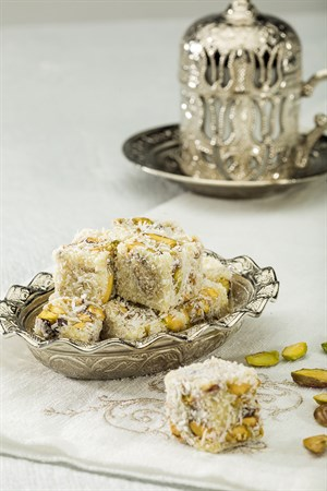 TURKISH DELIGHT WITH SAFFRRON AND PISTACHIO 500 GR